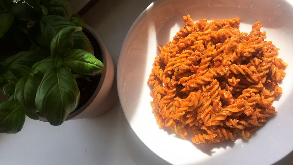 Red Pesto Pasta - notetoiris