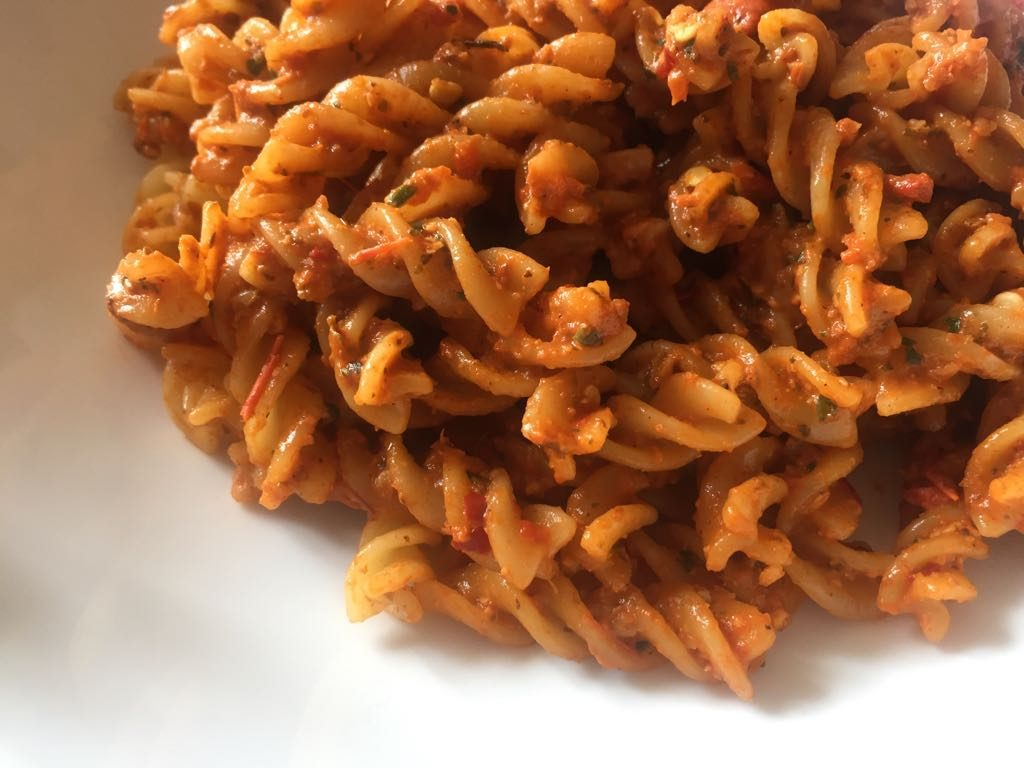 Red Pepper Pesto - notetoiris