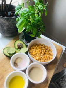 Avocado Basil Hummus recipe by notetoiris